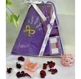 Подарочный набор NEW LAVANDER'S: круглое махровое полотенце, мешочек с ароматными лепестками лаванды и туалетное мыло(EMD 076)