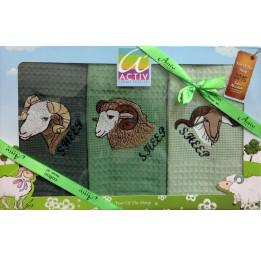 """Набор из 3-х вафельных полотенец с вышивкой """"Год Козы""""(Aktiv sheep). Подарочная коробка с ленточкой."""