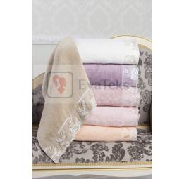 Пушистые махровые полотенца с кружевом GLORIA 50x100 (ЕMD)